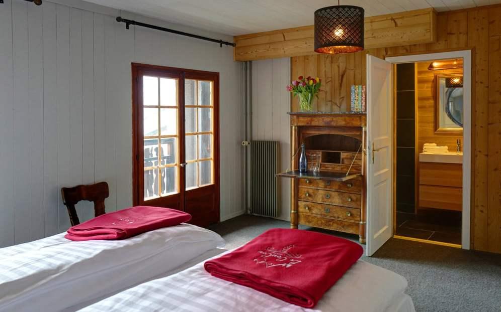 rooms-slide02